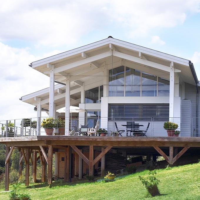 Rehausse maison elegant azur combles tres rehausse maison for Rehausse maison ossature bois